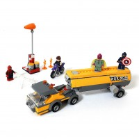 Конструктор LEGO Super Hero Захват автоцистерны 76067